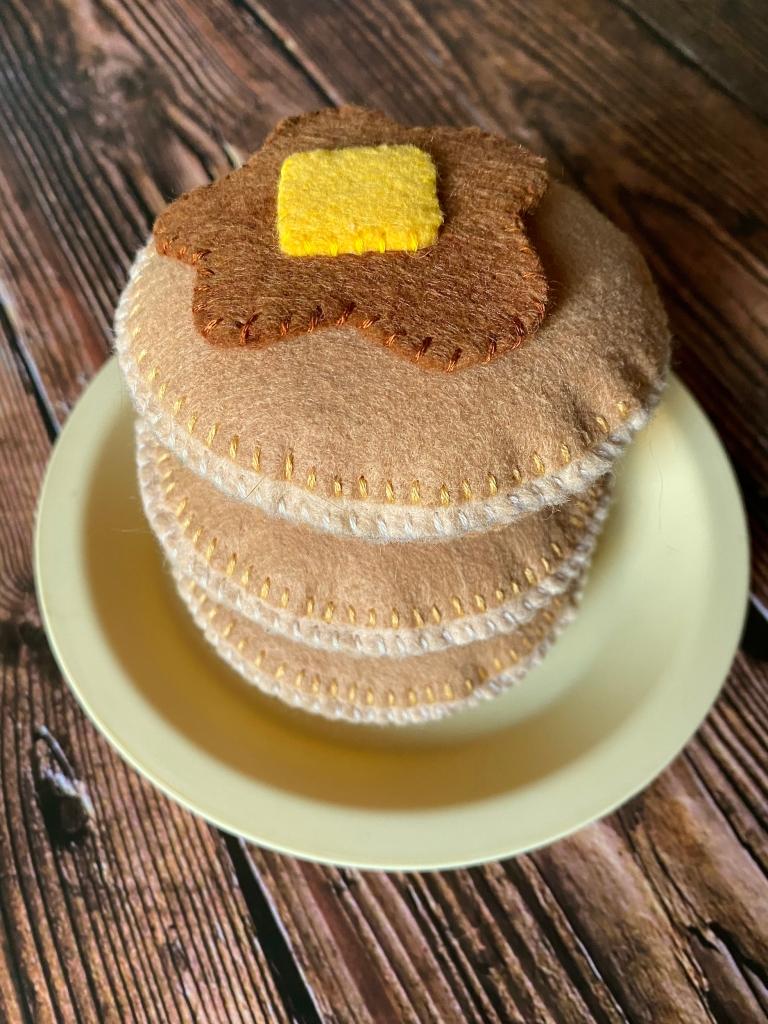 DIY Felt Pancakes
